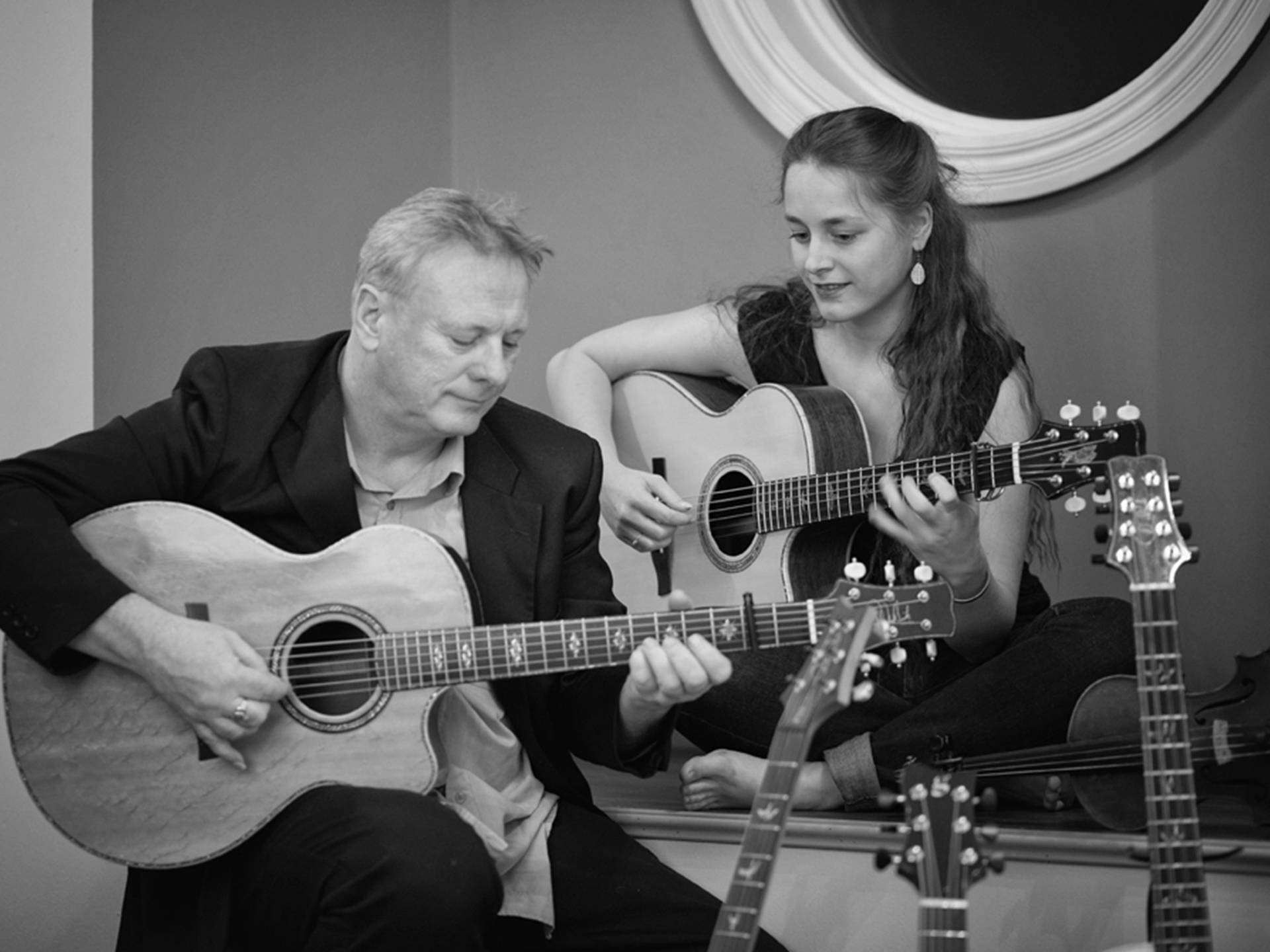 Tony McManus & Julia Toaspern - Folk